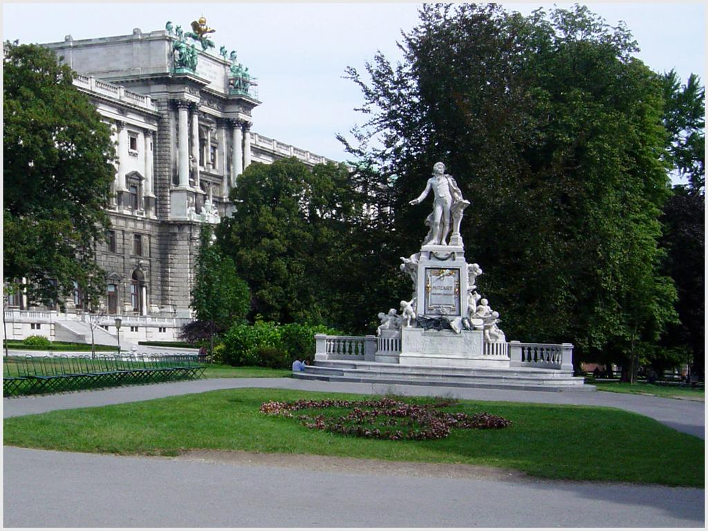 Carole Cross - Mozart - Vienna