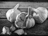 garlic-bulbs-2dc1492957f9e5bb1f7d05dbf32083974db9a121