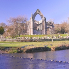19-Bolton-Abbey-and-River-Wharfe
