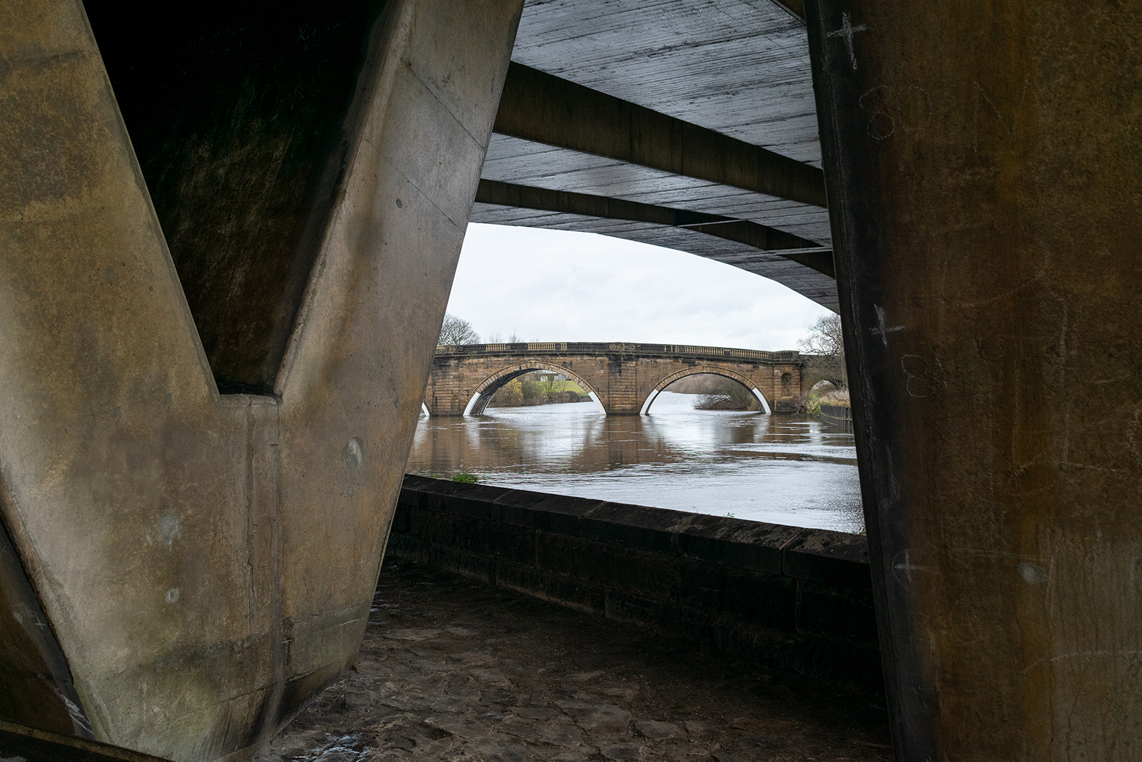Aire-Viaduct-To-Ferrybridge-Old_by_Alistair-Dore