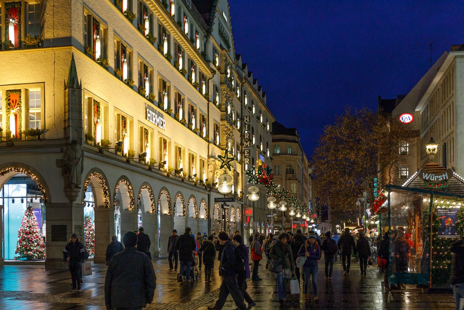 Christmas-In-Munich.-Not-2020._by_Daniel-Jeffery