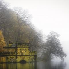 Boat-House_by_Ian-McMillen